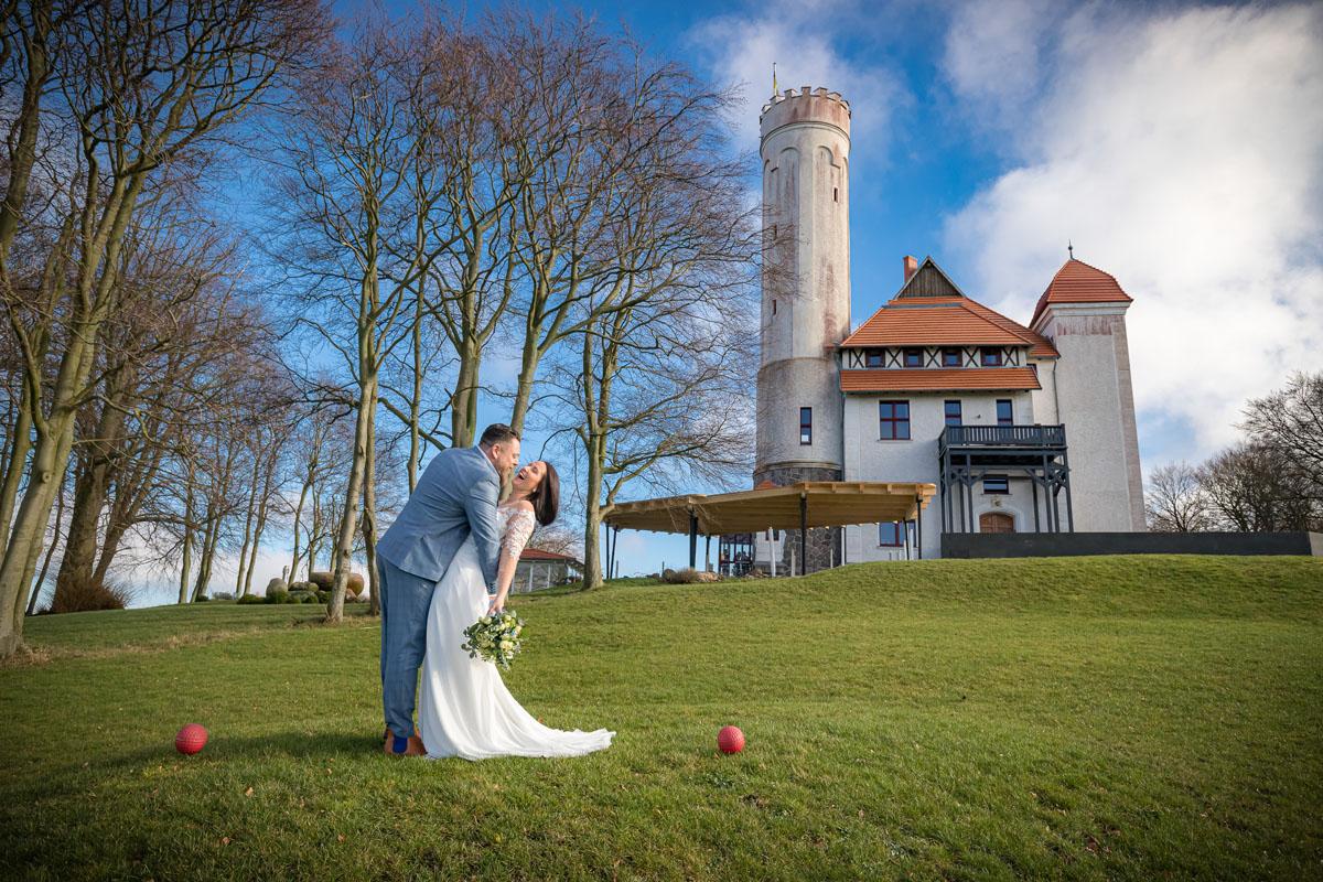 Brautpaarshooting am Valentinstag auf Schloss Ranzow auf Rügen